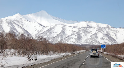 Photo: On the way from Petropavlovsk-Kamchatskij to the north, the asphlalt road is still here