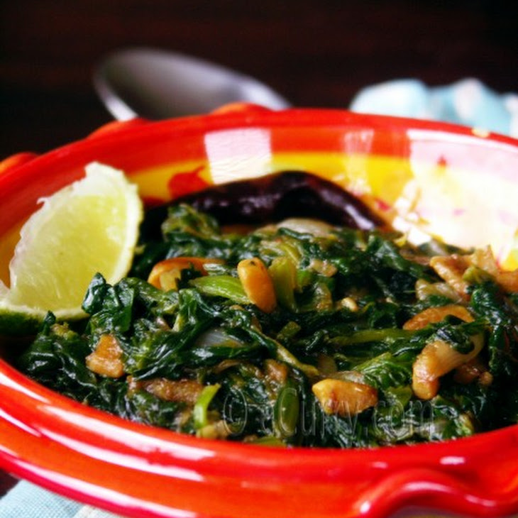Spinach with Fried Garlic and Caramelized Onions Recipe | Yummly