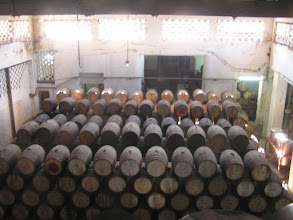 Photo: 5B090048 Hawana - w sklepiku z rumem - beczki z rumem