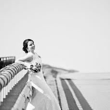 Wedding photographer Arina Romanova (richy). Photo of 01.10.2013
