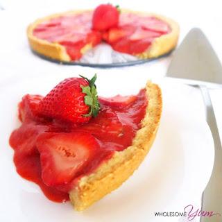 5-Ingredient Strawberry Tart (Paleo, Low Carb)