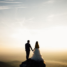 Wedding photographer Andreea Margaian-Izdrea (andreeaizdrea). Photo of 18.12.2015