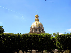 Photo: Invalides dome with contrails