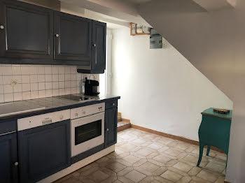 maison à Saint-Mitre-les-Remparts (13)