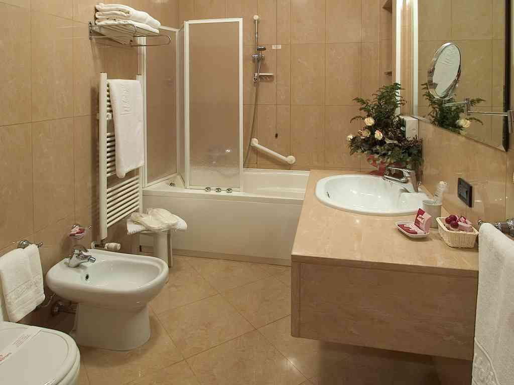 Famous Bathrooms Are Us Collection - Bathtubs For Small Bathrooms ...