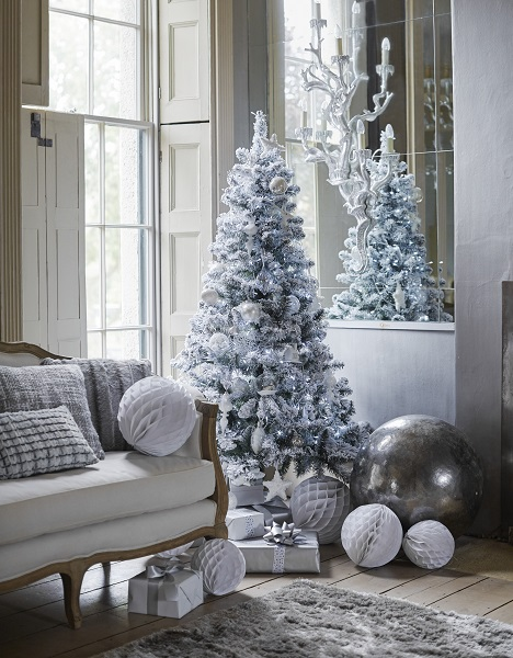 Silver and white Xmas decorations