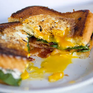Toad in the Hole Breakfast Sandwiches #SundaySupper.