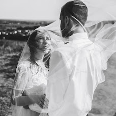 Wedding photographer Artem Dvoreckiy (Dvoretskiy). Photo of 28.02.2018