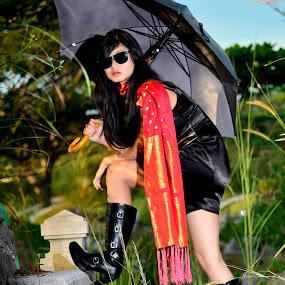 black suite by Vaar Photowork - People Fashion