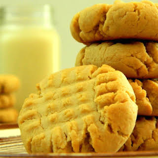 Low Sugar Classic Peanut Butter Cookies.