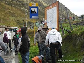Photo: Instalación de Carteles Croquis para la comunidad, La Asomada. Octubre de 2011