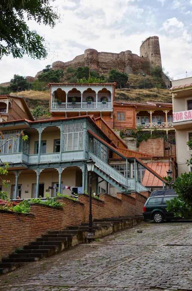 познакомится с девушкой в тбилиси