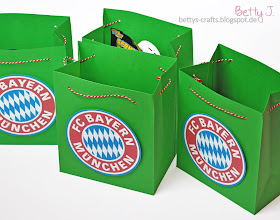 Photo: http://bettys-crafts.blogspot.de/2014/04/bayern-munchen-geschenktute-fur.html