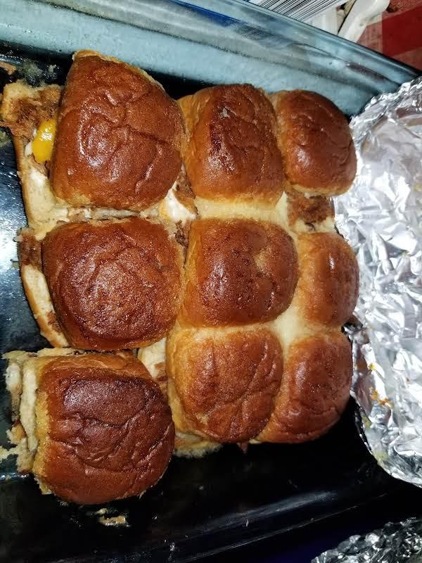Pulled Pork Sweetbread Sliders Recipe