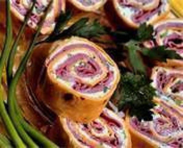 Roast Beef Horseradish Spirals Recipe