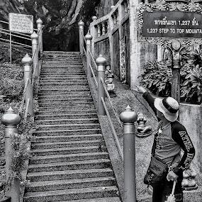 Anak tangga kahyangan by Oengkas Wijaya - People Portraits of Men ( tourist, nature, thailand, man, black and white, tradition )