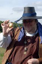 Photo: Der Nogen Rashvan - mit einer Zwiebel.