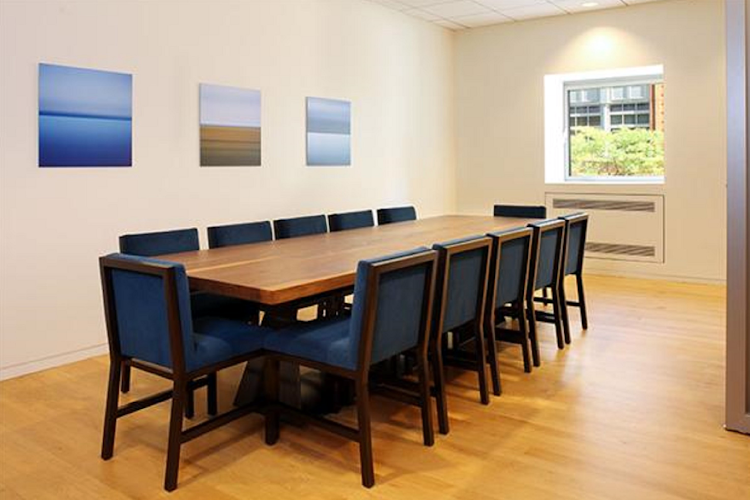 Meeting room at Global Luxury Suites at 777 6th Avenue