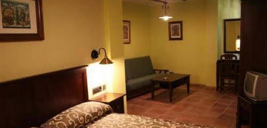 Hotel Tharsis