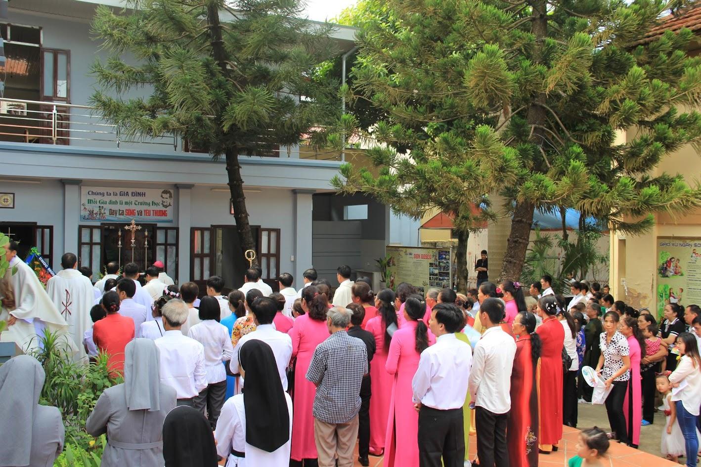 Giáo xứ Ngạn Sơn: Thánh lễ Bổn mạng và Làm phép Nhà mới - Ảnh minh hoạ 7