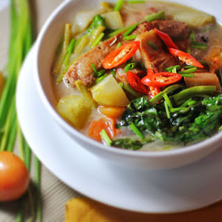 Hot and Sour Pork Soup (Thai-Filipino Pork Sinigang)‏.