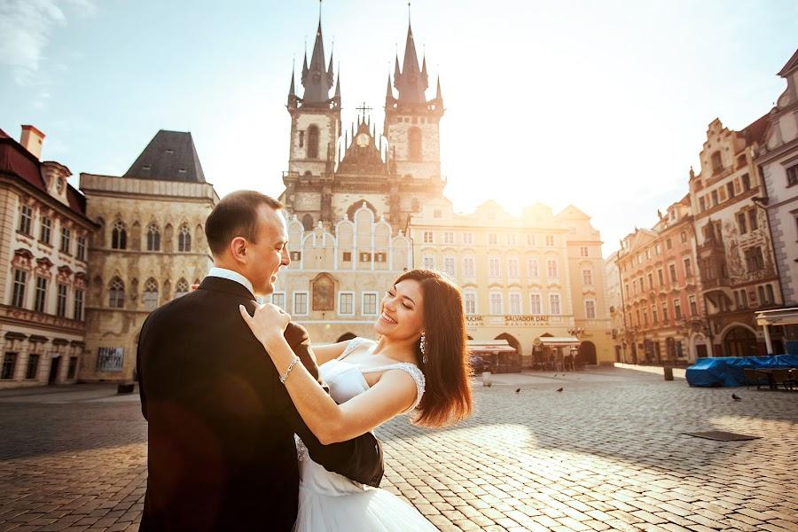 Wedding photographer Constantine Gololobov (gololobov). Photo of 02.02.2017