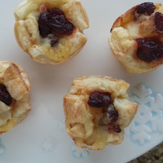 Cranberry Brie Poppers.
