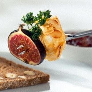 Fonduespieß mit Camembert