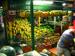 Photo: Fruit display at the Minorista market
