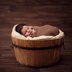 Baby-Roman-Newborn-October-2015-(37).jpg