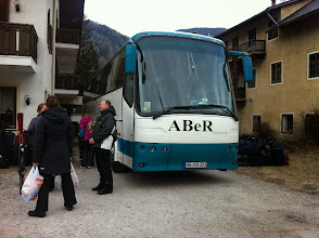 Photo: der letzte Tag, Bus ist schon gepackt für die Heimfahrt