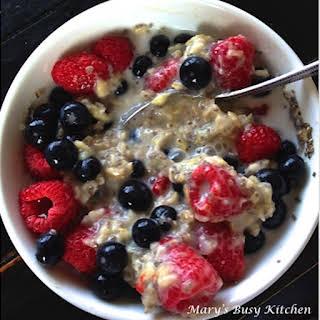 Festive Super Food Oatmeal – a gluten free heart healthy breakfast.