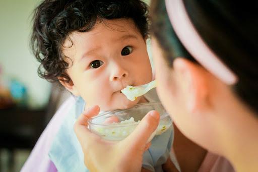 Sốt siêu vi ở trẻ em và những biến chứng mà cha mẹ cần lưu ý