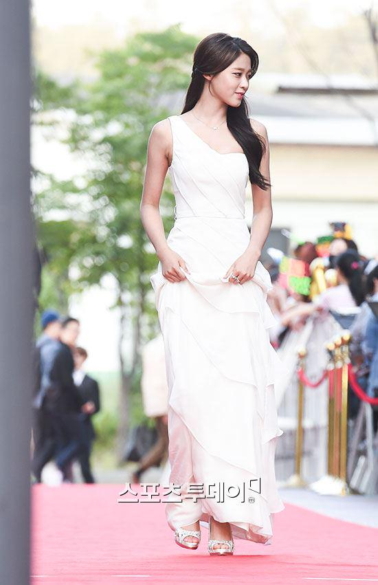seol gown 28