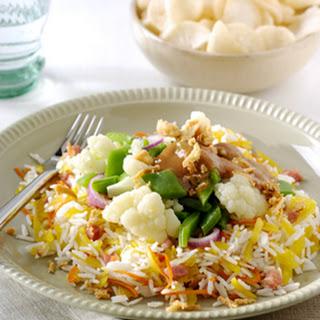 Gado Gado en atjar-rijstsalade met spekjes