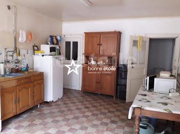 villa à Amné (72)