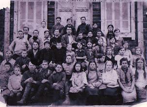 Photo: СелоТопольное. Школа. 30-32 гг.