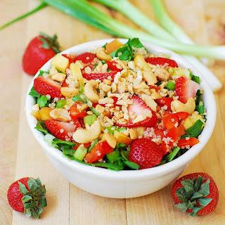 Strawberry, Quinoa, Spinach & Cashew Salad.