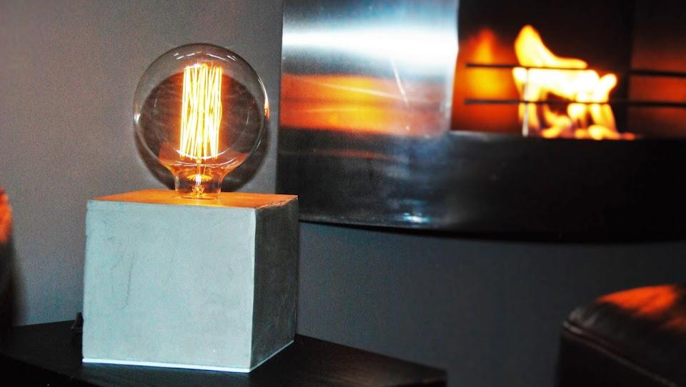 Lampe béton gris clair - Collection N°1 Lampe Cube