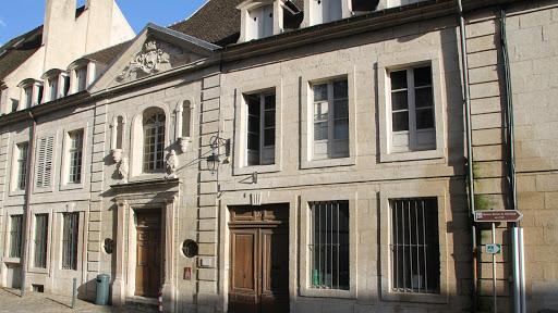 projet-l-arche-en-franche-comte-a-dole-maison-des-orphelins-accueil-personnes-handicapes-mentales.jpg