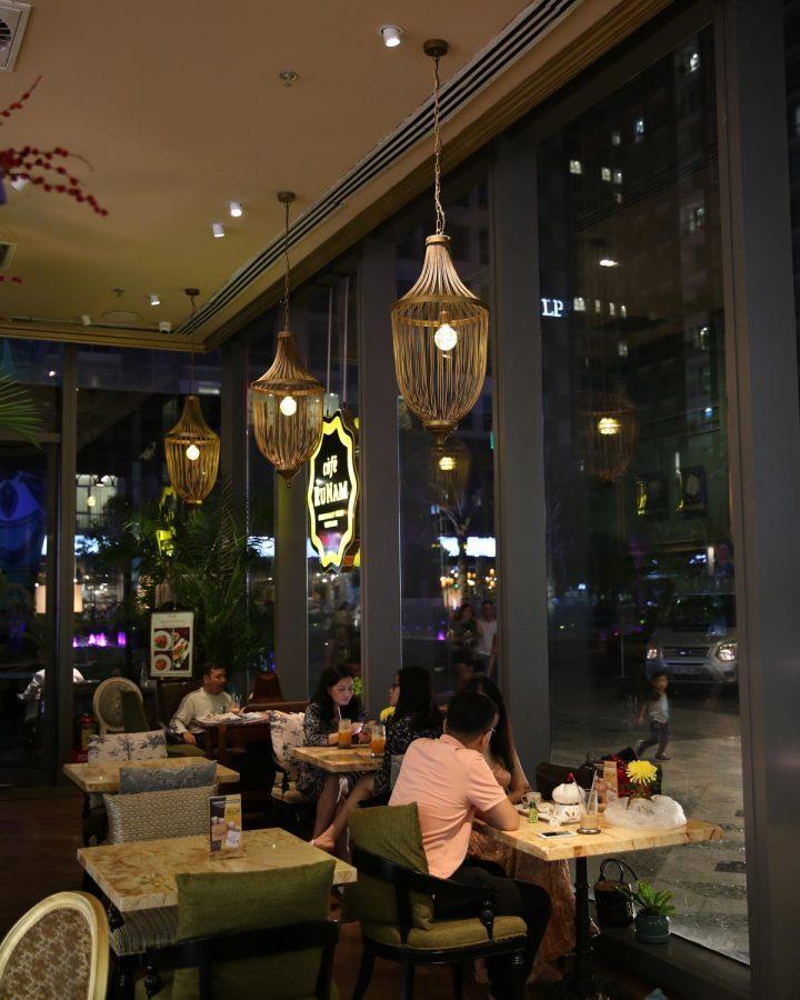 Nên mua đèn trang trí quán cafe đẹp của thương hiệu nào?