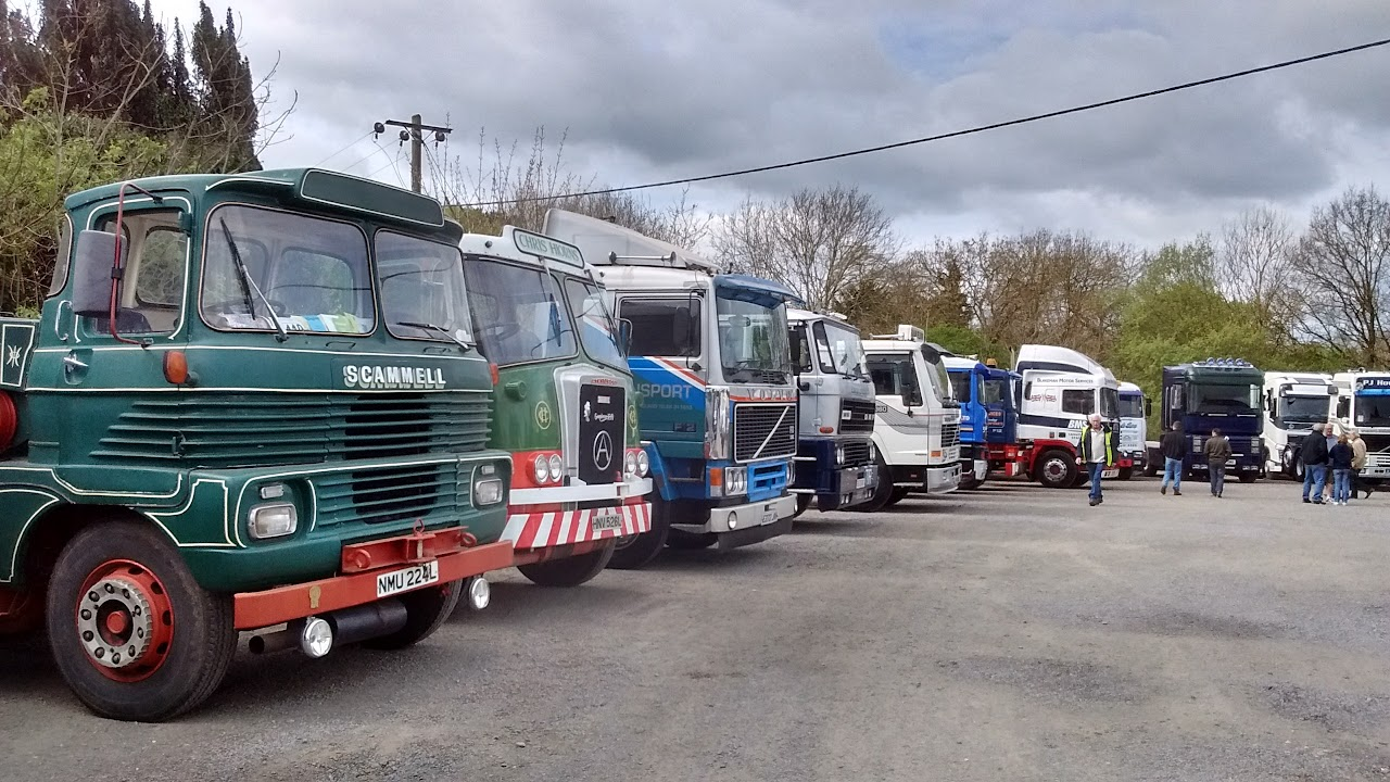 Vintage Trucks 2017 at Jacks Hill Cafe
