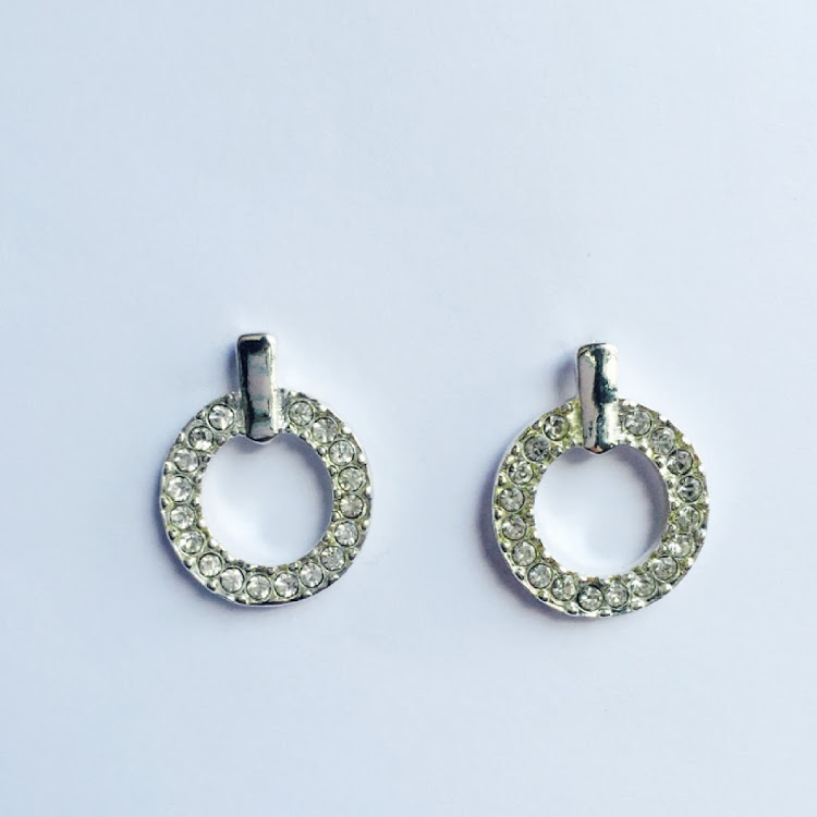 E020 - S. Balletic Symmetrical Earrings