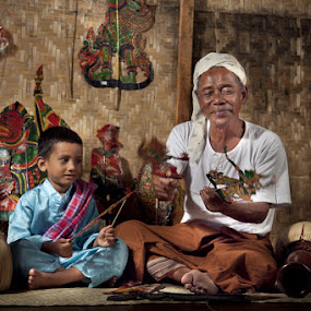 by Hanif Ismail - People Family