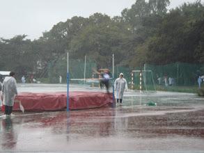 Photo: 4種目目走高跳。東さんが跳ぶ。