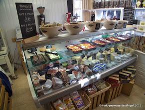 Photo: um prateleira das azeitonas