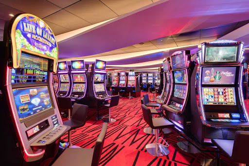msc-meraviglia-casino.jpg - The Casino on MSC Meraviglia offers table games, slot machines, a card room and more.