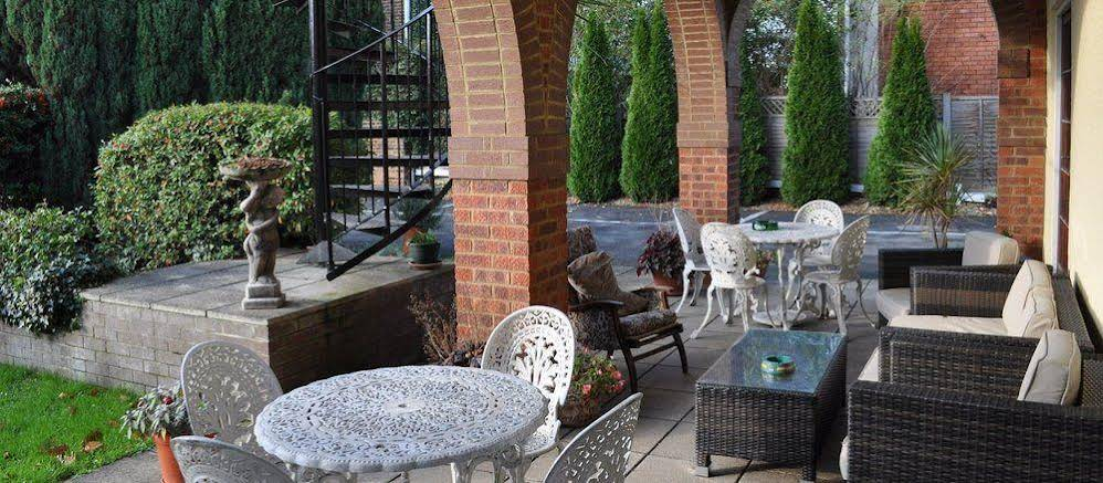 Firs Hotel & Restaurant