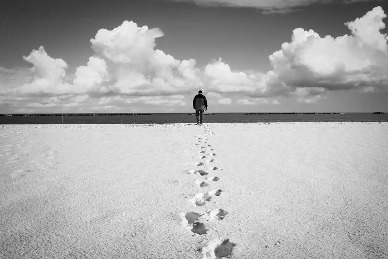 White beach di Marcello Zavalloni