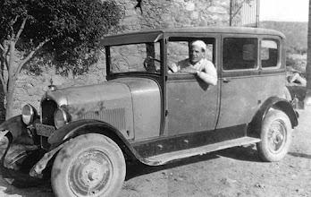 Photo: Toldra amb el Citroën C4, cotxe familiar a Cantallops (1931)© Family Archive (Mdm. Narcisa Toldrà)